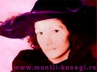Interviul Doamnei cu pălăria violet