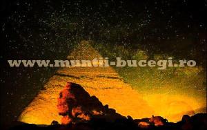 Miracolul-piramidei-soarelui-Bucegi