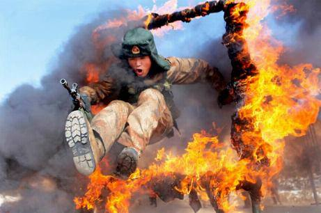 Poza zilei: Teste militare în China